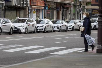 El bipartito obliga a ser más sostenibles a los nuevos taxis