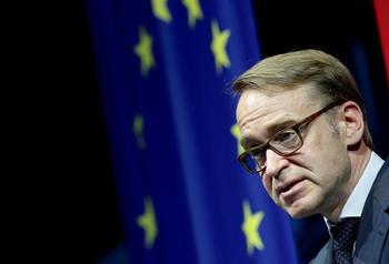 El presidente del Bundesbank dimite por
