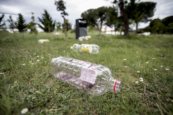 Cs propone exponer residuos del botellón «para concienciar»