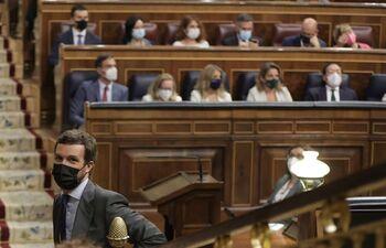 El PP le recorta casi tres puntos al PSOE, según el CIS