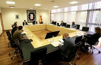 Las Cortes excluyen del pleno la moción de María Montero