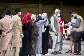 La UE acuerda priorizar la ayuda a países vecinos de Afganistán