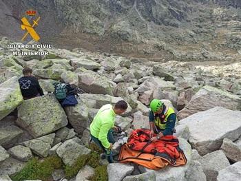 Rescatado en helicóptero un montañero que sufrió una caída