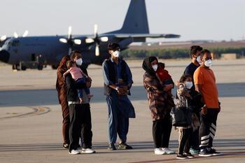 España inicia una nueva operación para evacuar a más afganos