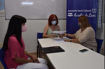 El Ayuntamiento colabora con la labor de Aurelio de León
