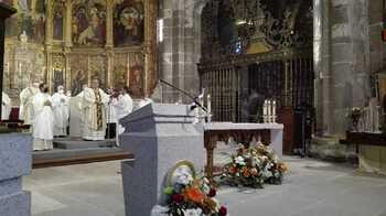 El obispo recuerda lo «sufrido» pero pide estar unidos