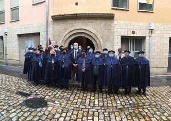 Hermoso junto a los miembros de la Cofradía de San Gregorio