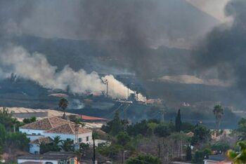 La lava llega a la zona urbana de La Laguna