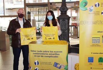 Campaña en mercados para informar del contenedor amarillo