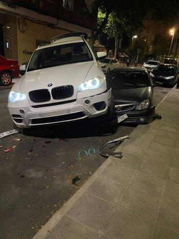 Aparatoso accidente en calle Lentejuela