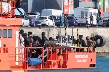 Más de 200 migrantes llegan a Canarias en las últimas horas
