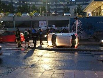Se niega a hacer las pruebas de alcohol tras volcar su coche