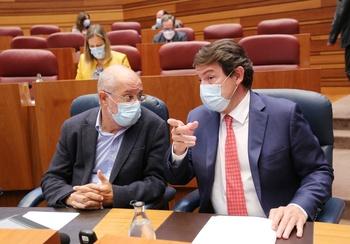 Mañueco acusa a Tudanca de buscar una segunda moción