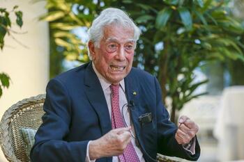 Vargas Llosa aparece en los 'papeles de Pandora'