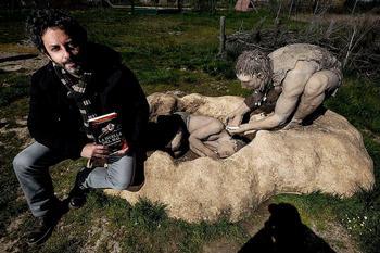 Manuel Ríos rastrea escenarios para rodar La huella del mal