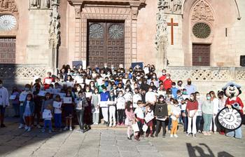 Gracias a los 200 niños que celebraron el VIII Centenario