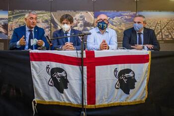 'Sánchez solo dialoga con quienes dan apoyo parlamentario'