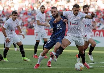 El Sevilla pelea ante un Espanyol sin pólvora