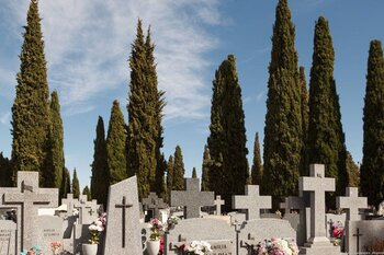 Horario especial de visitas al cementerio de la capital
