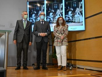 Fernando García(i), Javier Ortega y Ana Moreno, durante la presentación.