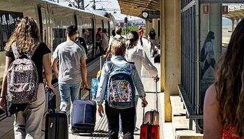 La huelga afecta cada día del puente a diez trenes AVE