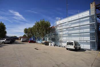 El parque de Bomberos de Talavera renueva su imagen exterior