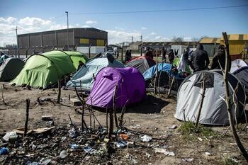 Francia pide un acuerdo migratorio entre Reino Unido y la UE