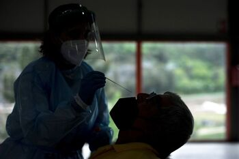 Sanidad notifica 2.528 casos y 31 muertes por COVID-19