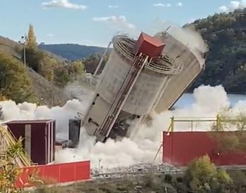 Voladura de los silos de ceniza y escoria de la térmica