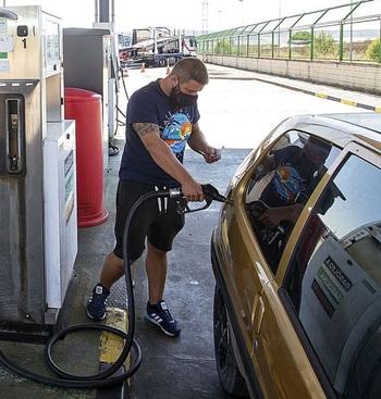 Hasta 200 euros al año de diferencia entre gasolineras