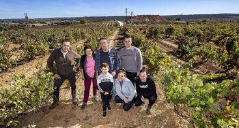 Una familia unida por las viñas