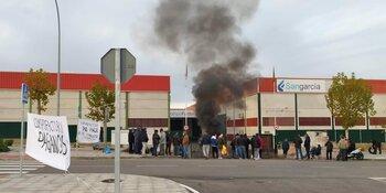 Indemnizados 28 despedidos de Compo Factory con 328.000 €