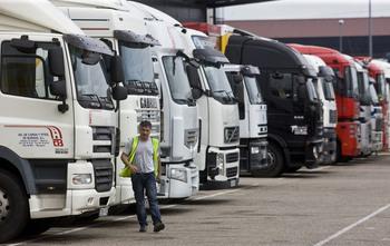 Crece el interés de los migrantes por ser transportistas
