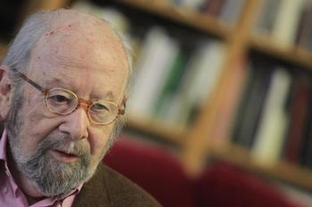 Muere el poeta José Manuel Caballero Bonald