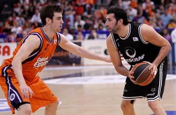 Víctor Claver regresa al Valencia Basket y firma hasta 2024