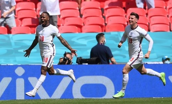 Sterling le da los tres puntos a una Inglaterra sin brillo