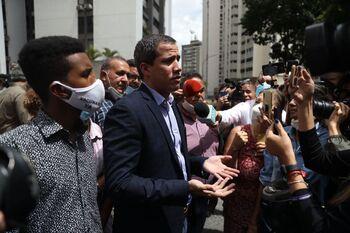 Guaidó asegura que evitó ser detenido gracias a sus vecinos