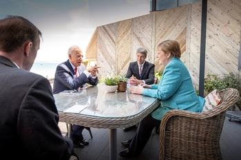 El G7 promete dar 1.000 millones de dosis a países en desarrollo