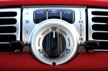Cinco trucos para salvar tu coche de las olas de calor