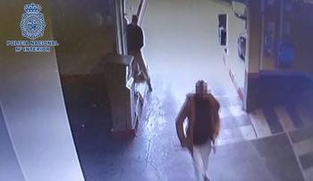 Imagen de la huida del detenido por el robo de un supermercado
