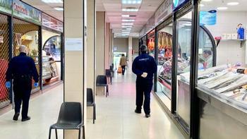 El Mercado municipal abrirá los viernes por la tarde