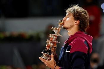 Zverev gana su segundo título en Madrid
