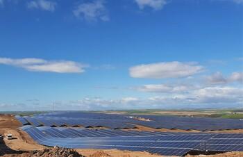 Iberdrola pone en marcha su primera planta fotovoltaica