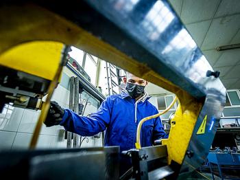 CyL registró el noveno mayor coste laboral, con 28.466 euros