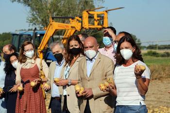 Carnero promete su apoyo a la Interprofesional de la patata