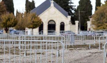 El cementerio no limita su aforo el día de Todos los Santos