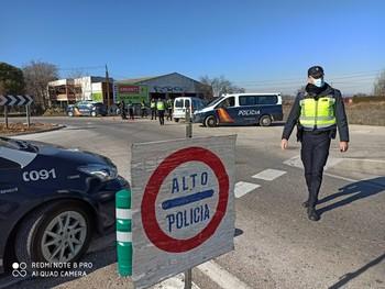 La Policía sanciona todo desplazamiento injustificado