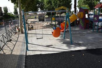 Avanza la remodelación del parque infantil de Patrocinio
