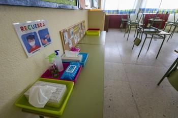 Confinan dos aulas en Fuentealbilla