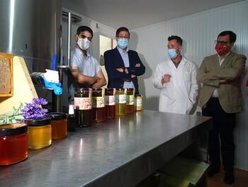 Una empresa apicultora de Pulgar, adherida al Erasmus Rural